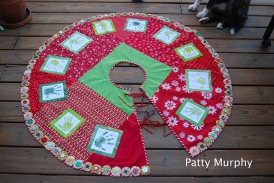 Auction Tree Skirt